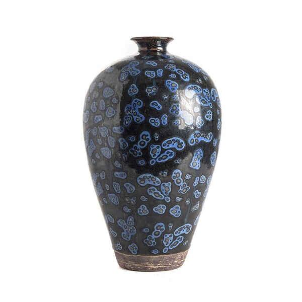 Contemporary Chinese Squiggle Design Vase