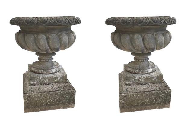 1900C English Sir Edwin Lutyens Pair XL Stone Urns on Pedestals