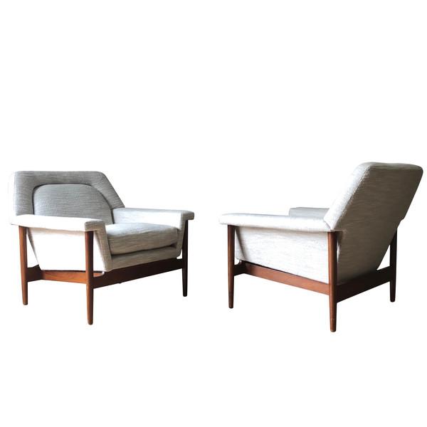Mid Century Scandinavian Pair Side Chairs